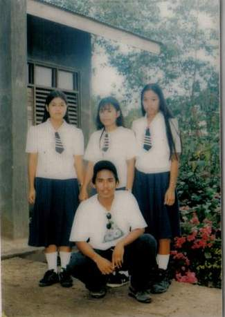 highschoolfriends1999.jpg